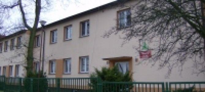 Mamy zaszczyt zaproponować pobyt w Szkolnym Schronisku Młodzieżowym znajdującym się w uroczej wsi Stary Borek, która leży w pobliżu małego jeziorka i znajduje się w strefie uzdrowiskowej C' oraz w ...